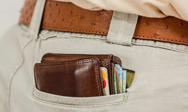 Travel Money: How to Manage your Money when Travelling the World