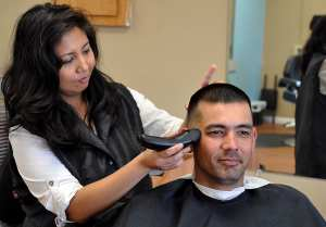 Why Should Men Go to Salons Regularly?