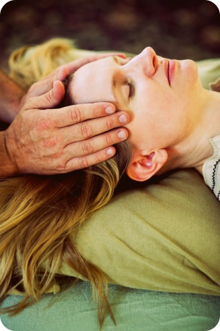 Reiki Hands on Temple  whereapy