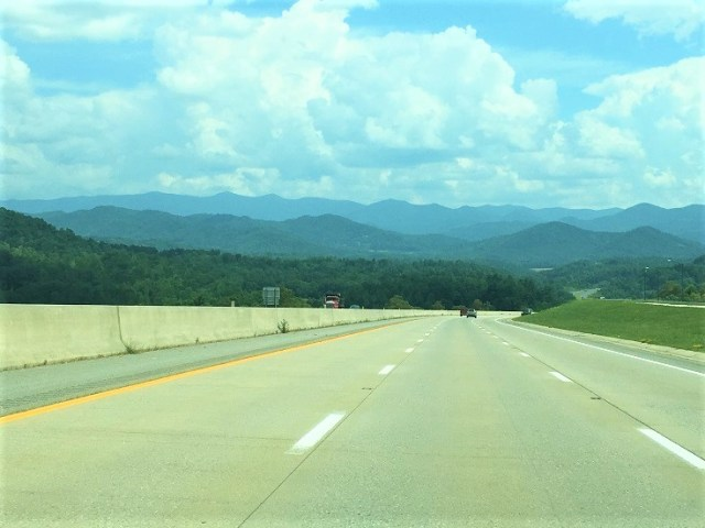 Drive to Asheville with the Blue Ridge Mountains