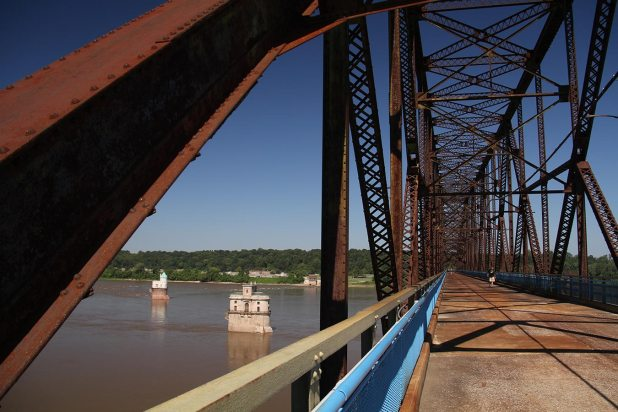 Chain of Rocks bridge in St Louis, Route 66 travelers were paying a toll to get on the bridge