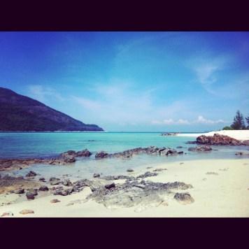 pusta plaża przy Mountain Resort