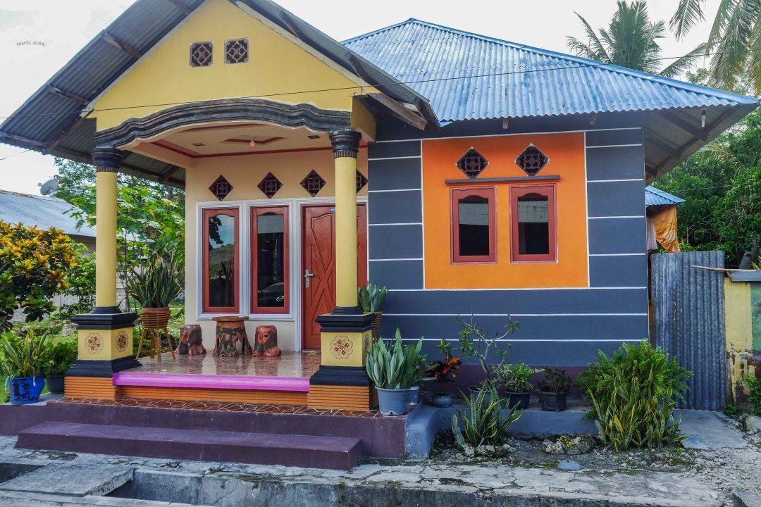 Kolorowe domy na Saparua