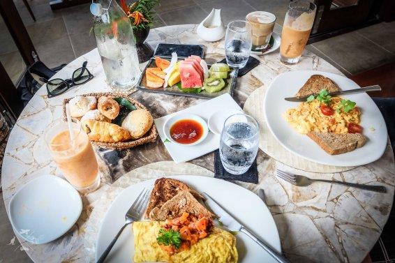 Nanuku Auberge Resort sniadanie
