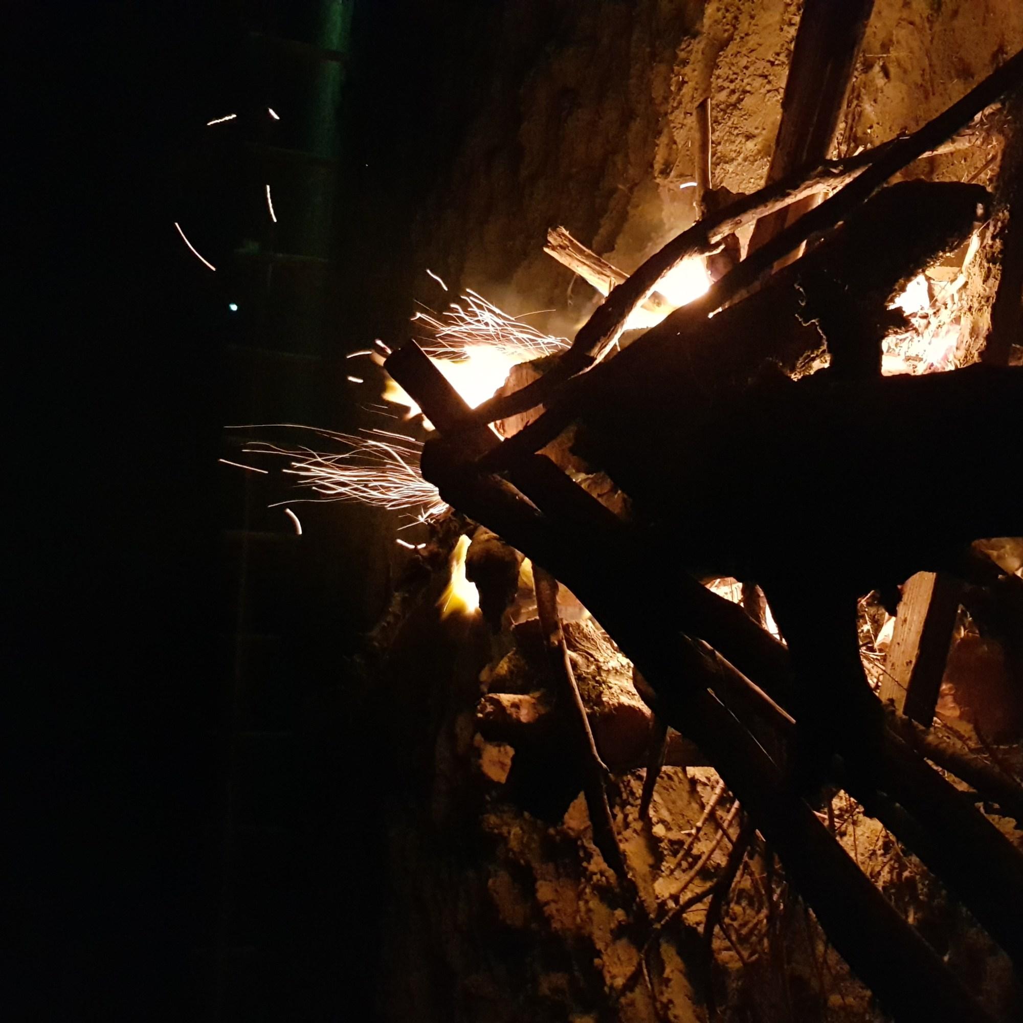 Feu, chaleur, démarrer un feu, wildlife, nature, van