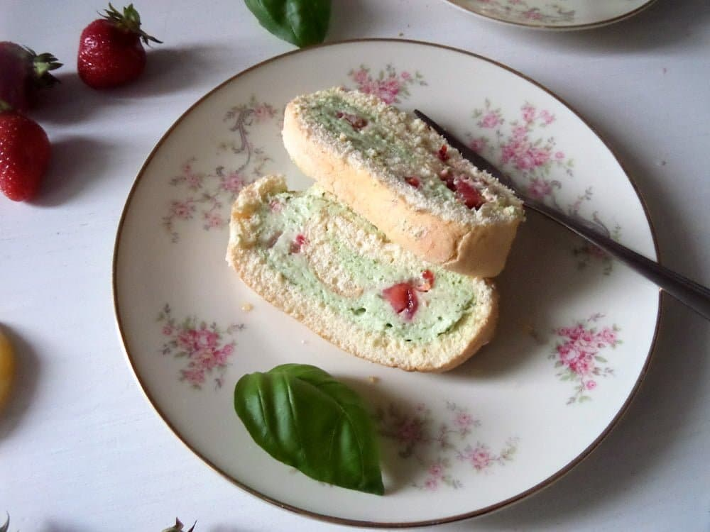 strawberry basil cake Strawberry Basil Roll