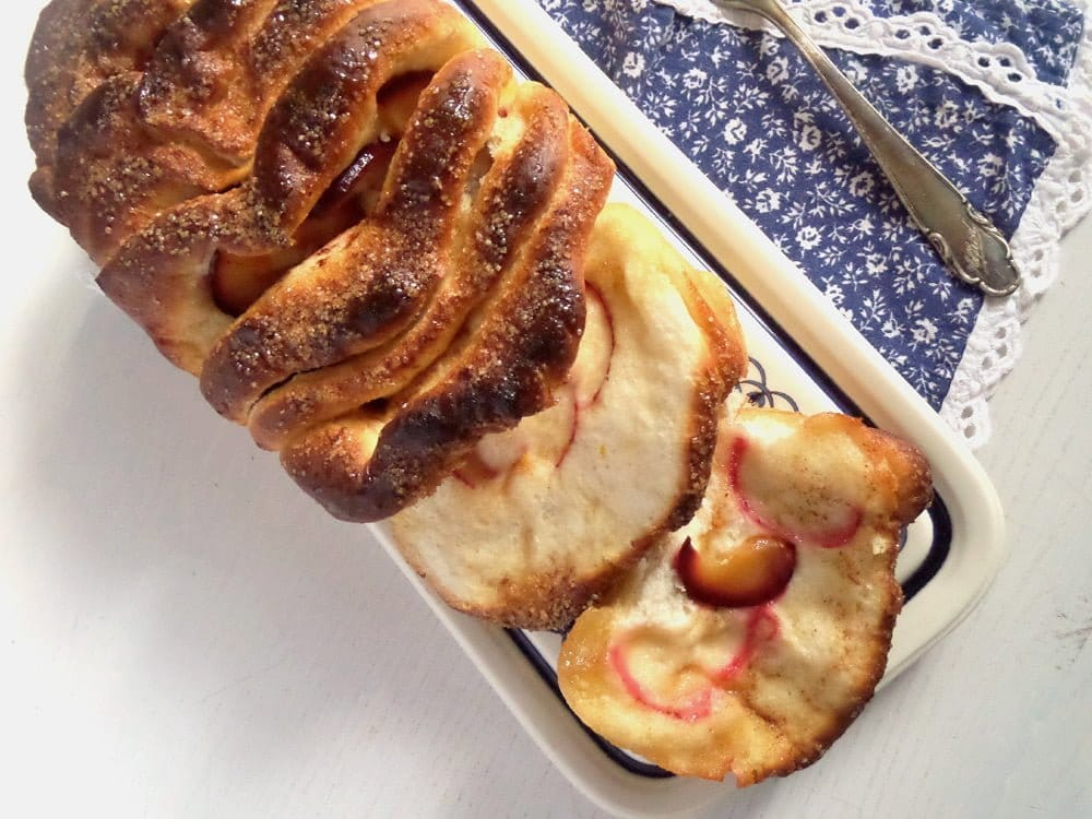 pull apart bread plum Plum and Cinnamon Pull Apart Bread