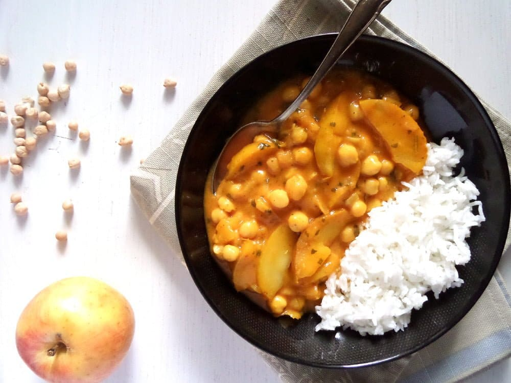 apple curry Vegan Apple And Chickpea Curry with Coconut Milk