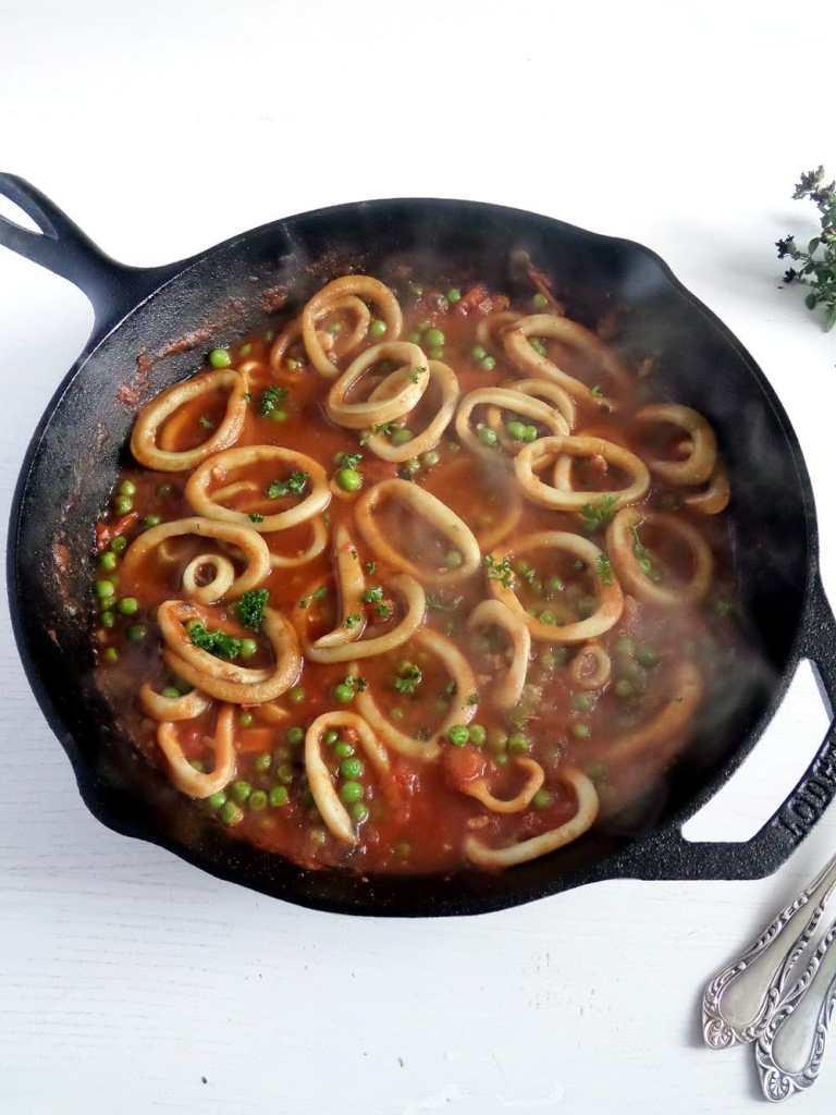 spaghetti calamari italian 768x1024 Spaghetti with Calamari and Peas with Tomato Sauce