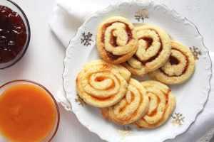 orange swirls 300x200 Simple Apricot Jam
