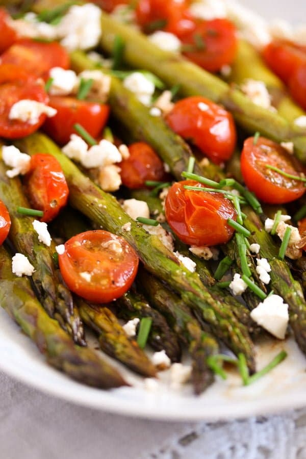 roasted spargel 4 Roasted Asparagus Recipe with Tomatoes and Feta