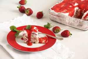 %name strawberry tiramisu cream