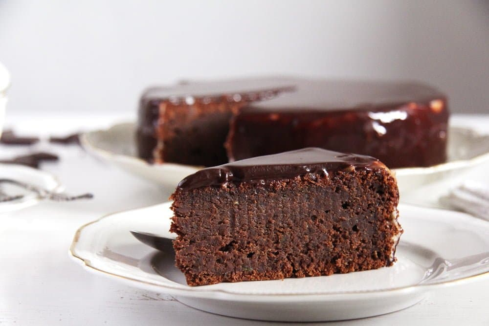 chocolate cake zucchini Romanian Chocolate Cake with Ganache and Cream   Prajitura Boema