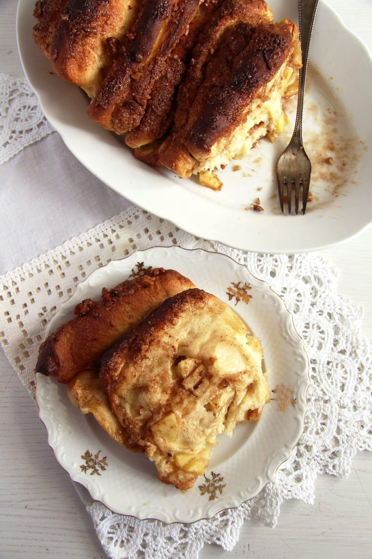 apple pull apart Apple Cinnamon Pull Apart Bread