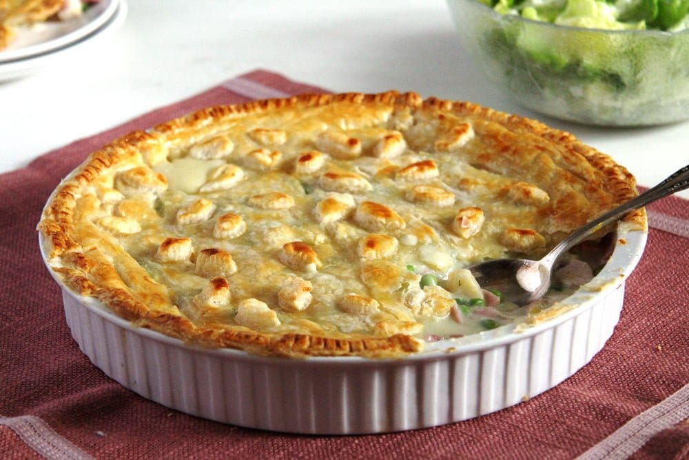 chicken ham peas pie English Chicken and Ham Pie   Harry Potter Recipe