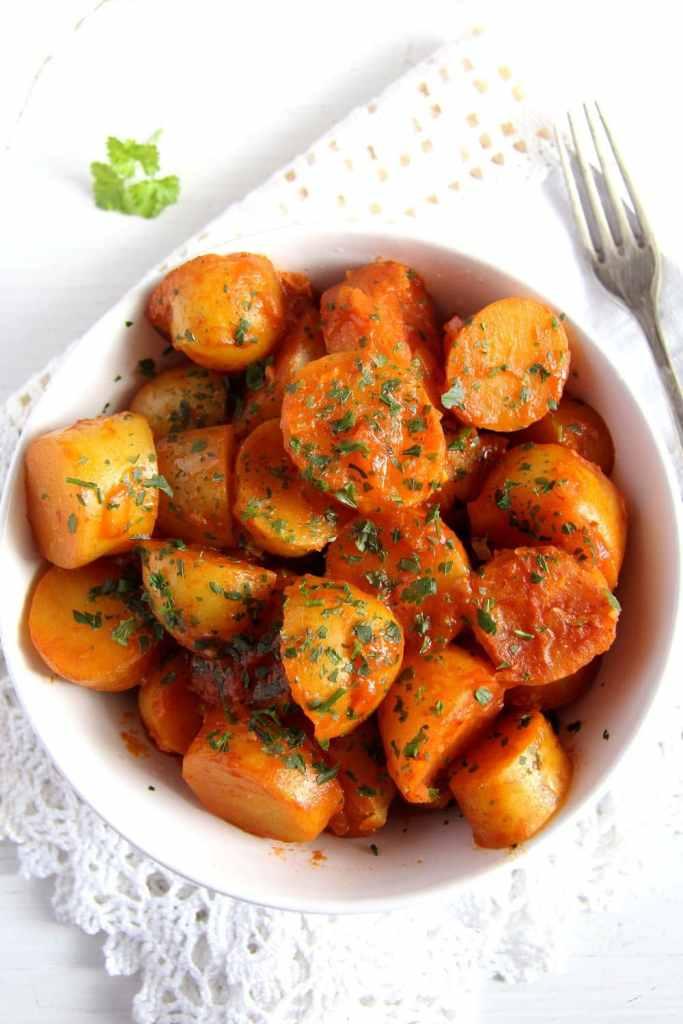 new potatoes 683x1024 Simple New Potatoes in Tomato Sauce   Vegan Recipe
