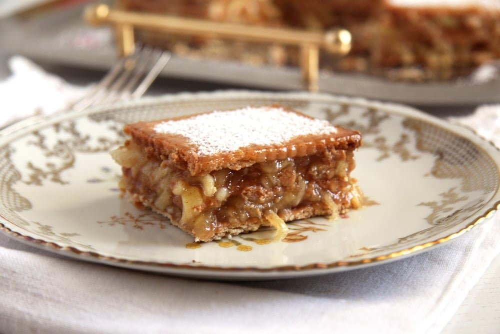 Biscuit Apple Cake