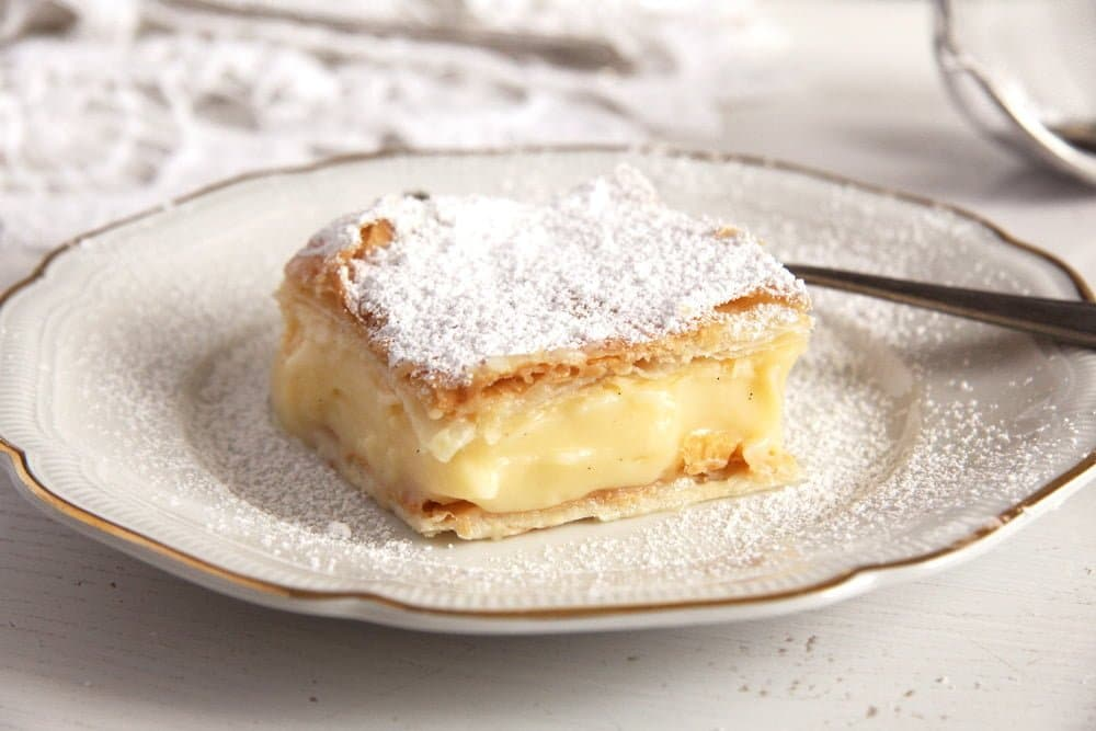 cremsnit slice Vanilla Cream Pie – The Best Romanian Cremsnit