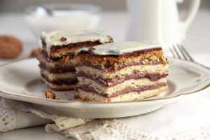 %name Layered Cake with Walnuts and Jam   Prajitura Greta Garbo