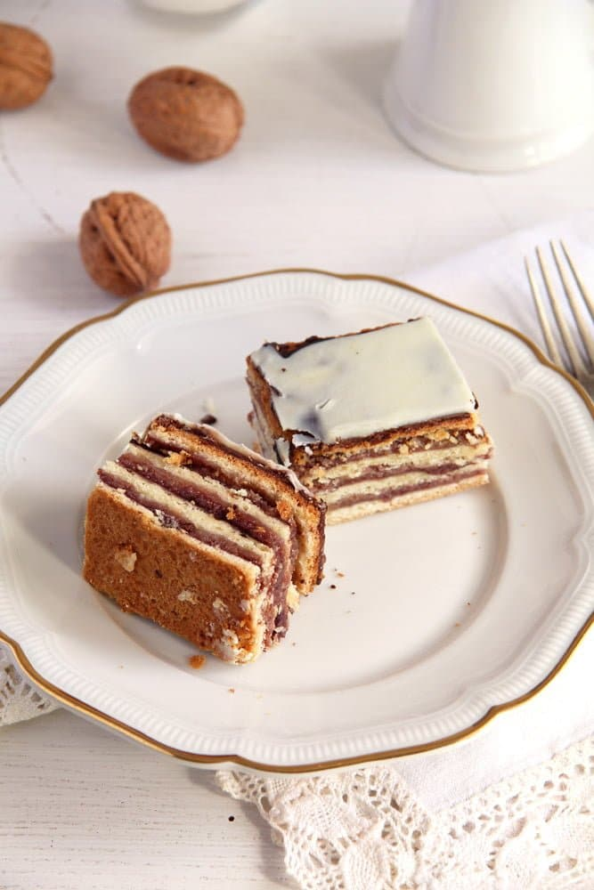greta garbo cake yeast Layered Cake with Walnuts and Jam   Prajitura Greta Garbo