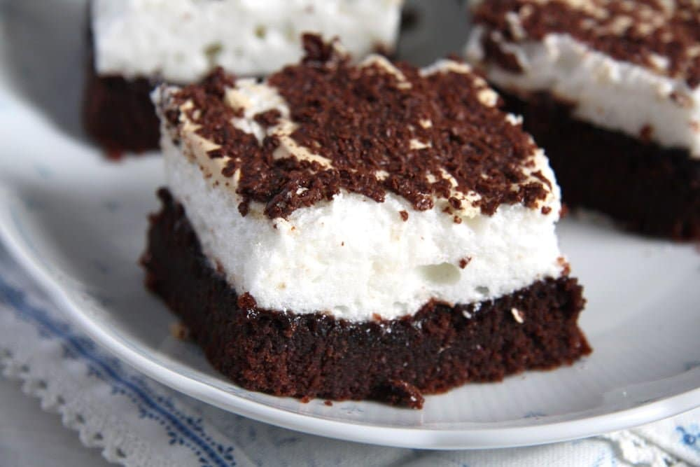 romanian brownie Meringue Brownies