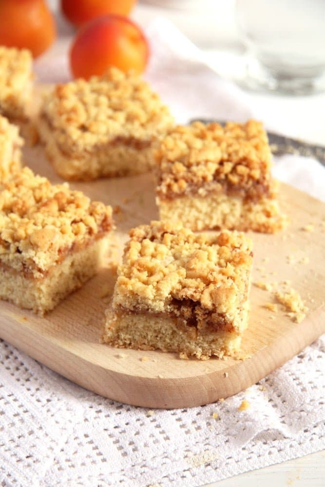 apricot jam cake Apricot Jam Crumble Cake with Walnuts   Prajitura razuita