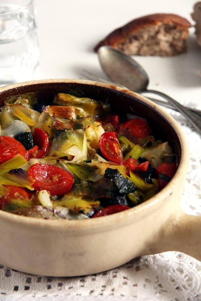 leek stew romanian Leek and Black Olive Stew   Romanian Recipe