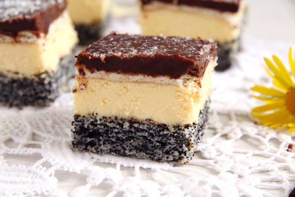 poppy seed vanilla layer cake chocolate glaze