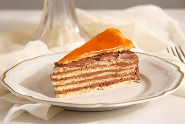 Dobos Torte Hungarian Cake With Chocolate Buttercream