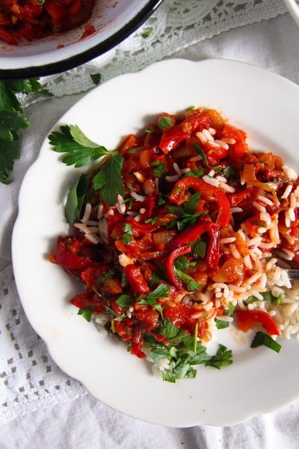 Hungarian Lecso edited 3 Hungarian Pepper and Tomato Stew – Vegan Lecso Recipe