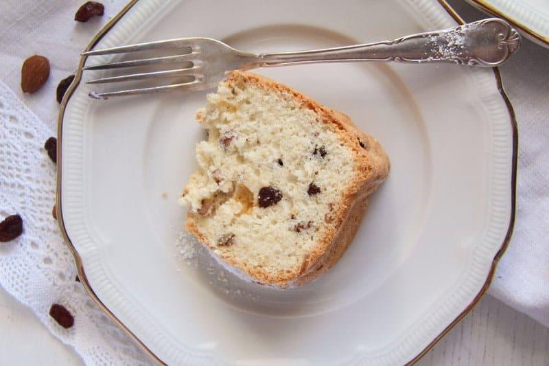 ed 5 Bundt Cake with Leftover Egg Whites, Raisins and Almonds