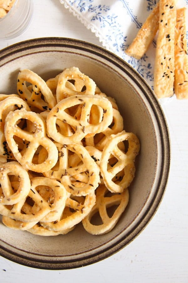 cheese pretzel ed 8 Romanian Cheese and Caraway Seed Pretzels or Sticks