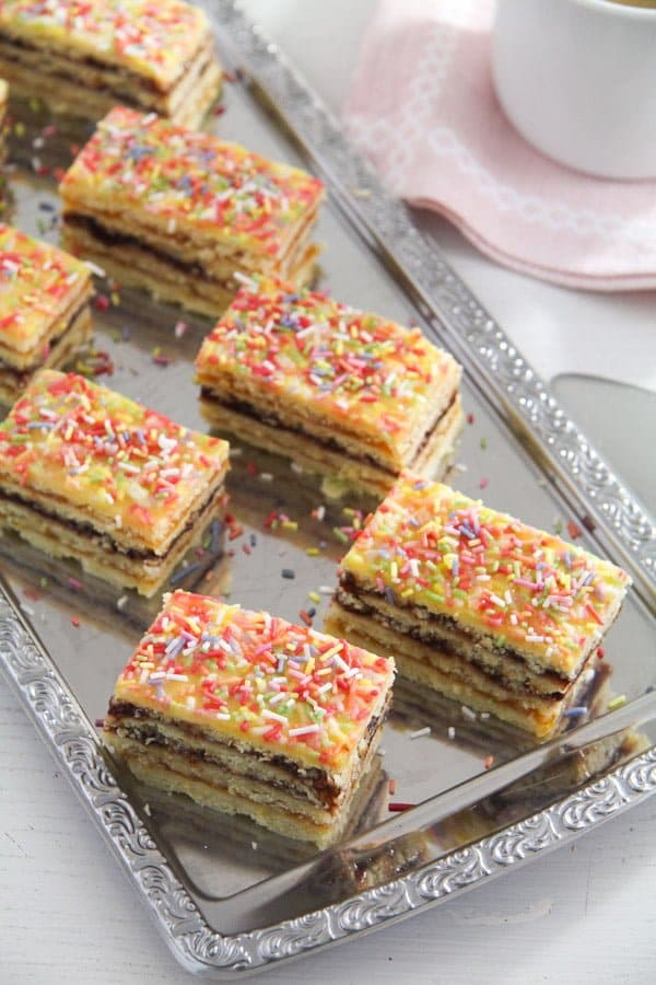 jam cake arlechin ed 6 Layered Cake with Jam Filling – Romanian Cake Harlequin