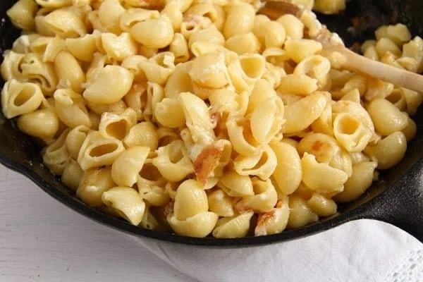 macaroni cheese ed 3 The Easiest Skillet Macaroni and Cheese – Romanian Recipe