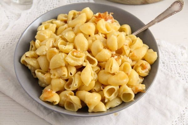 macaroni cheese ed 5 The Easiest Skillet Macaroni and Cheese – Romanian Recipe