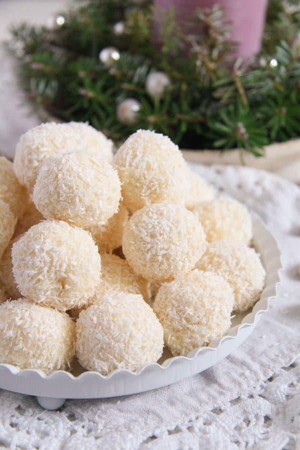 raffaello ed 2 Three Ingredient Homemade Raffaello Coconut Almond Balls