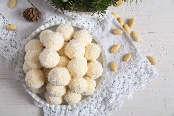 raffaello ed 4 Three Ingredient Homemade Raffaello Coconut Almond Balls