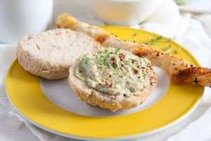 %name Spicy Avocado Bread Spread or Dip with Sunflower Seeds