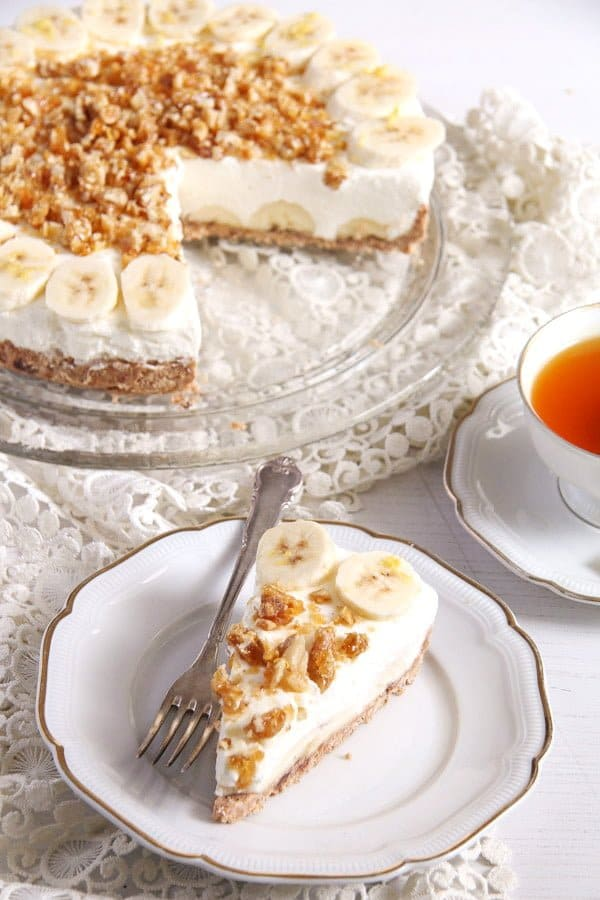 banana pie 4 No Bake Banana Caramel Cream Pie with Candied Walnuts