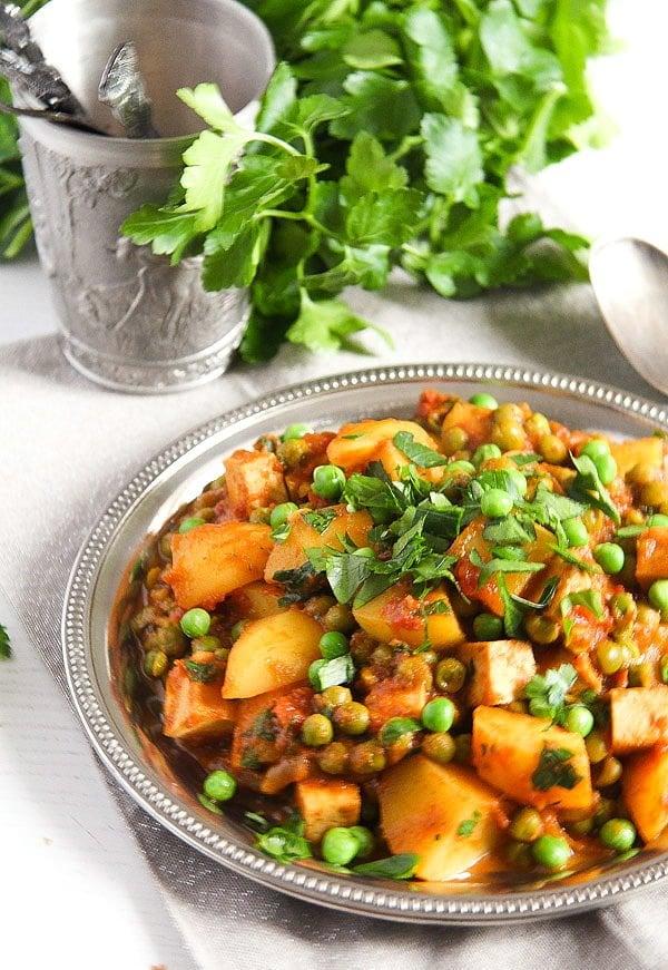potato pea curry 1 Vegan Potato Curry Recipe with Tofu, Tomatoes and Peas