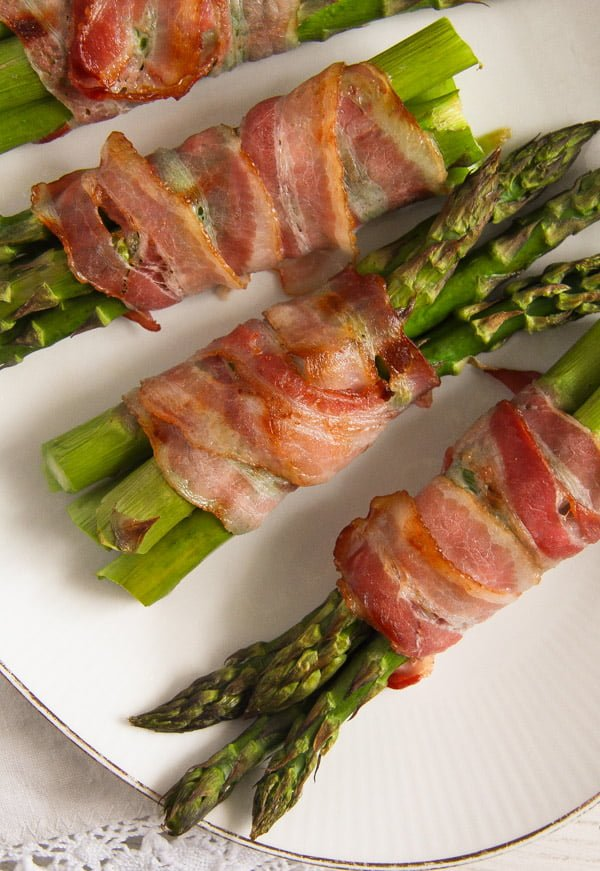 bacon wrapped asparagus 10 Bacon Wrapped Asparagus   Oven Baked Asparagus Recipe