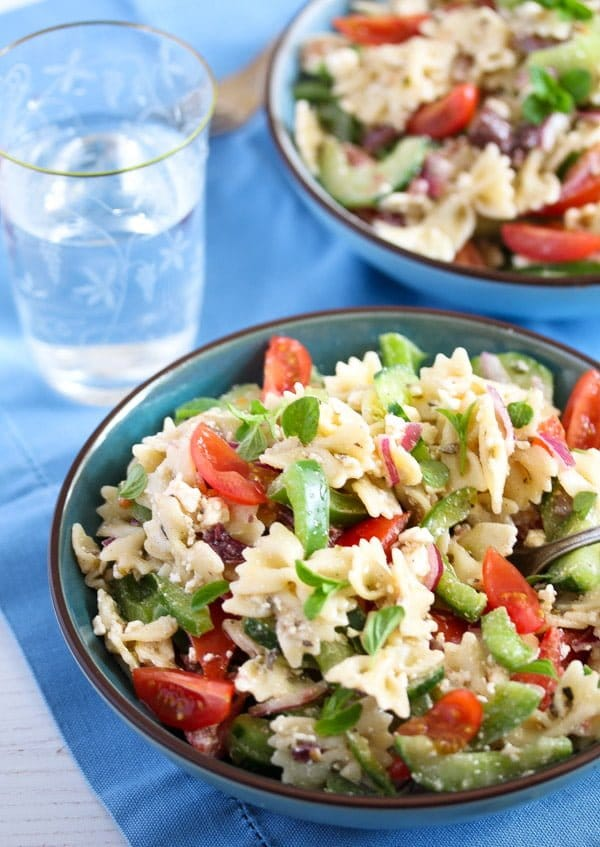 greek pasta salad 10 15 Easy Dishes for a Potluck Party