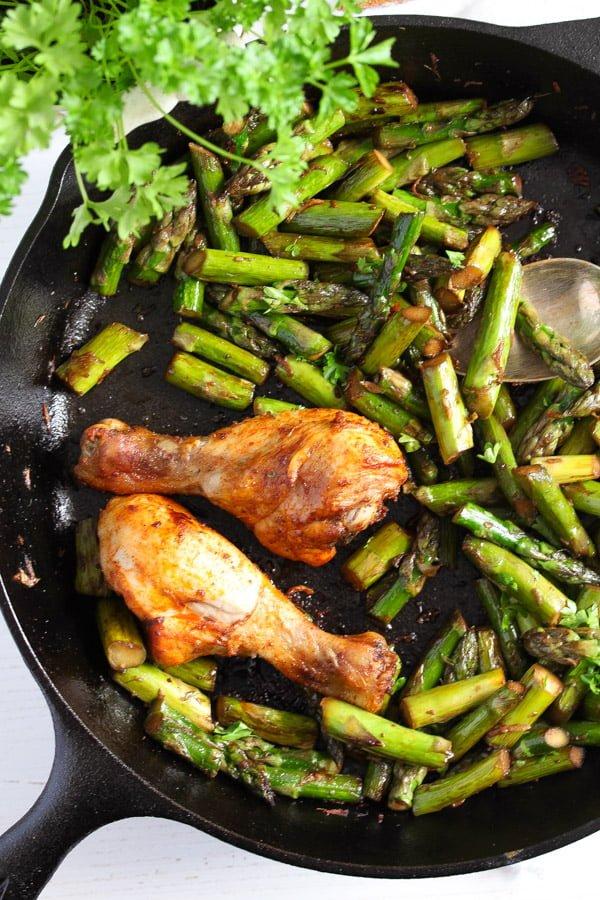 sauteed asparagus 6 Sauteed Asparagus with Garlic – Easy Asparagus Recipe