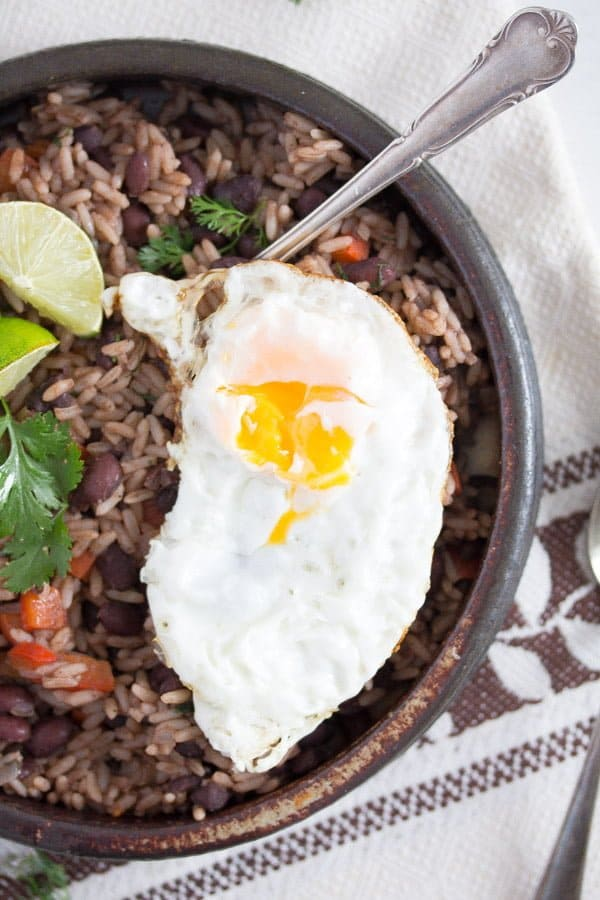 gallo pinto 3 Gallo Pinto – Black Beans and Rice Recipe – Costa Rican Food