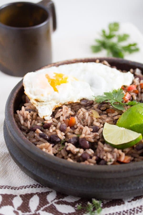 gallo pinto 4 Gallo Pinto – Black Beans and Rice Recipe – Costa Rican Food