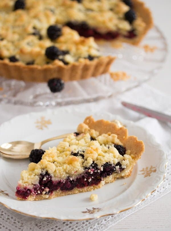 blackberry pie recipe 12 Easy Crumb Crust Pie with Blackberries and Crumble Topping