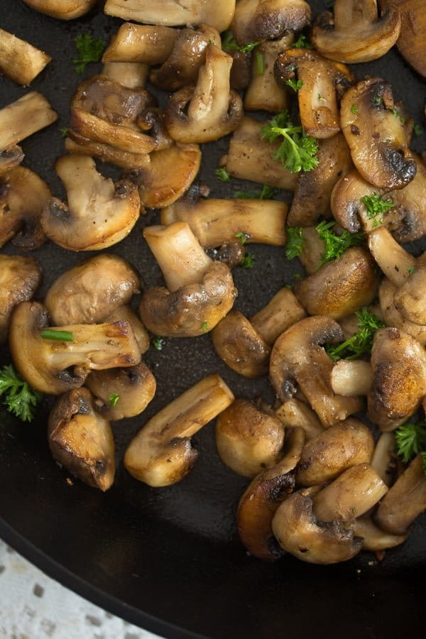 mushroom sauce for steak 2 Best Sauteed Mushrooms for Steak – with Garlic and Parsley