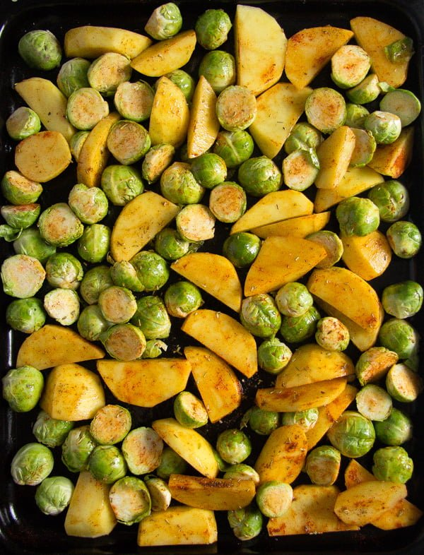 roasted brussels sprouts and potatoes 1 Roasted Brussels Sprouts and Potatoes with Rosemary
