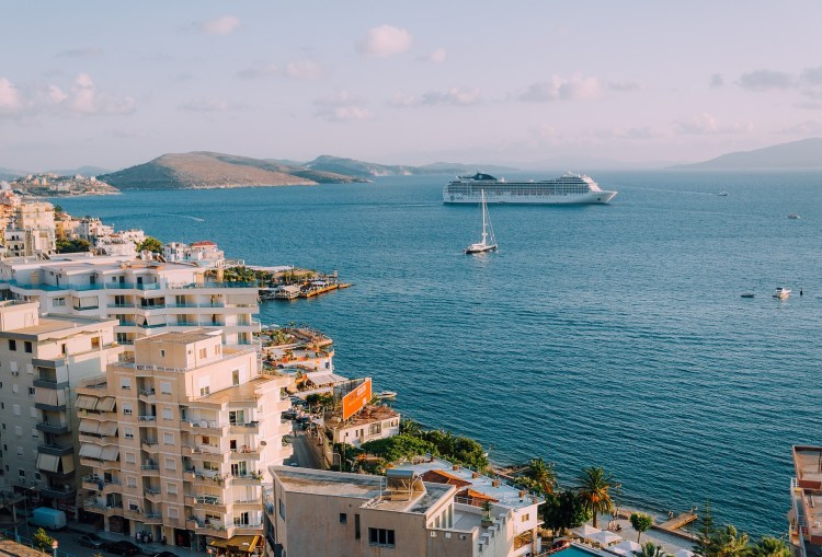 pros and cons of a cruise advantages and disadvantages of cruise