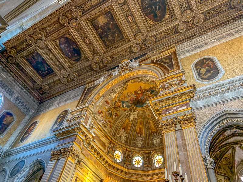 Activities to do in Naples.  Interior of the Duomo in Naples, Italy.